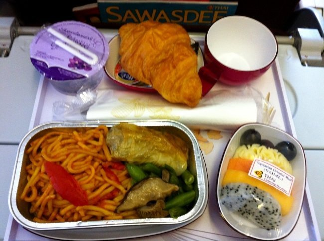 Flight review thai airways tg461 bangkok to melbourne for Air thai cuisine